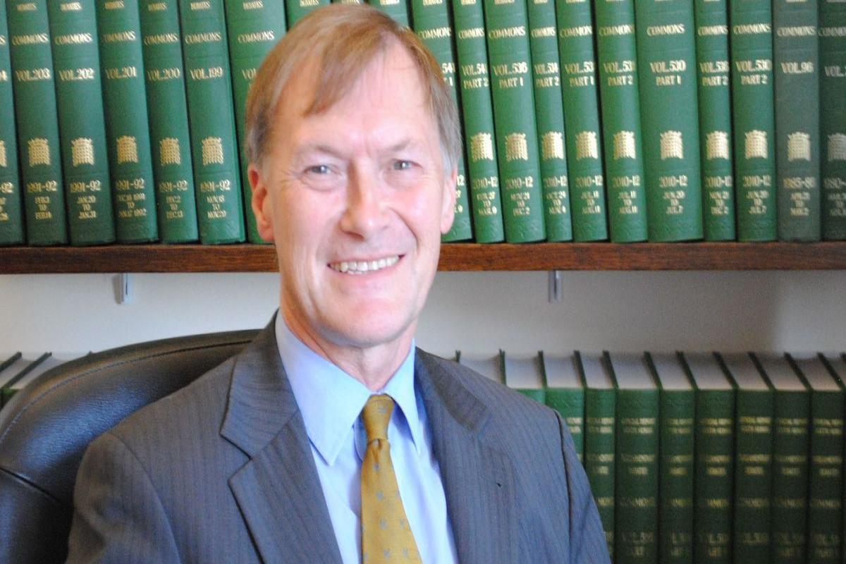 Deyvid Amess, qətlə yetirilən britaniyalı deputat