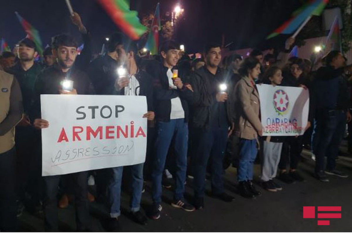 """Youth commemorates victims of Ganja terror-<span class=""""red_color"""">PHOTO"""