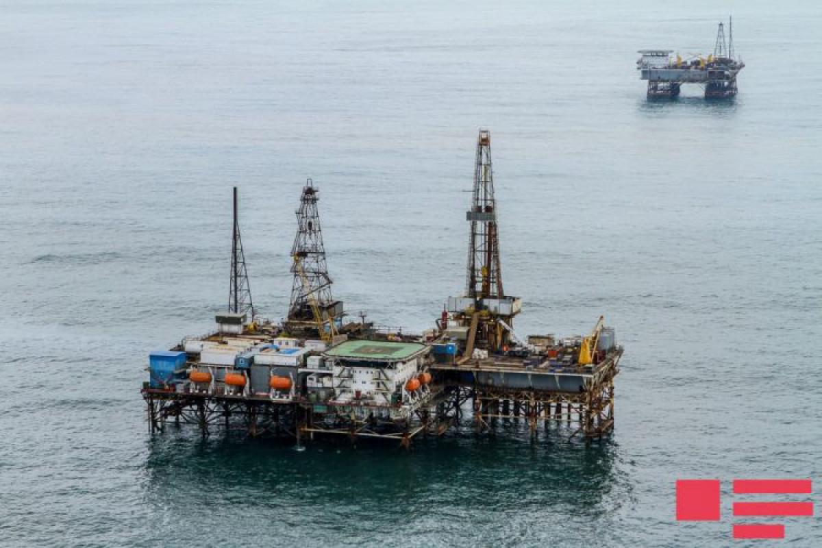 Azerbaijani oil price decreases