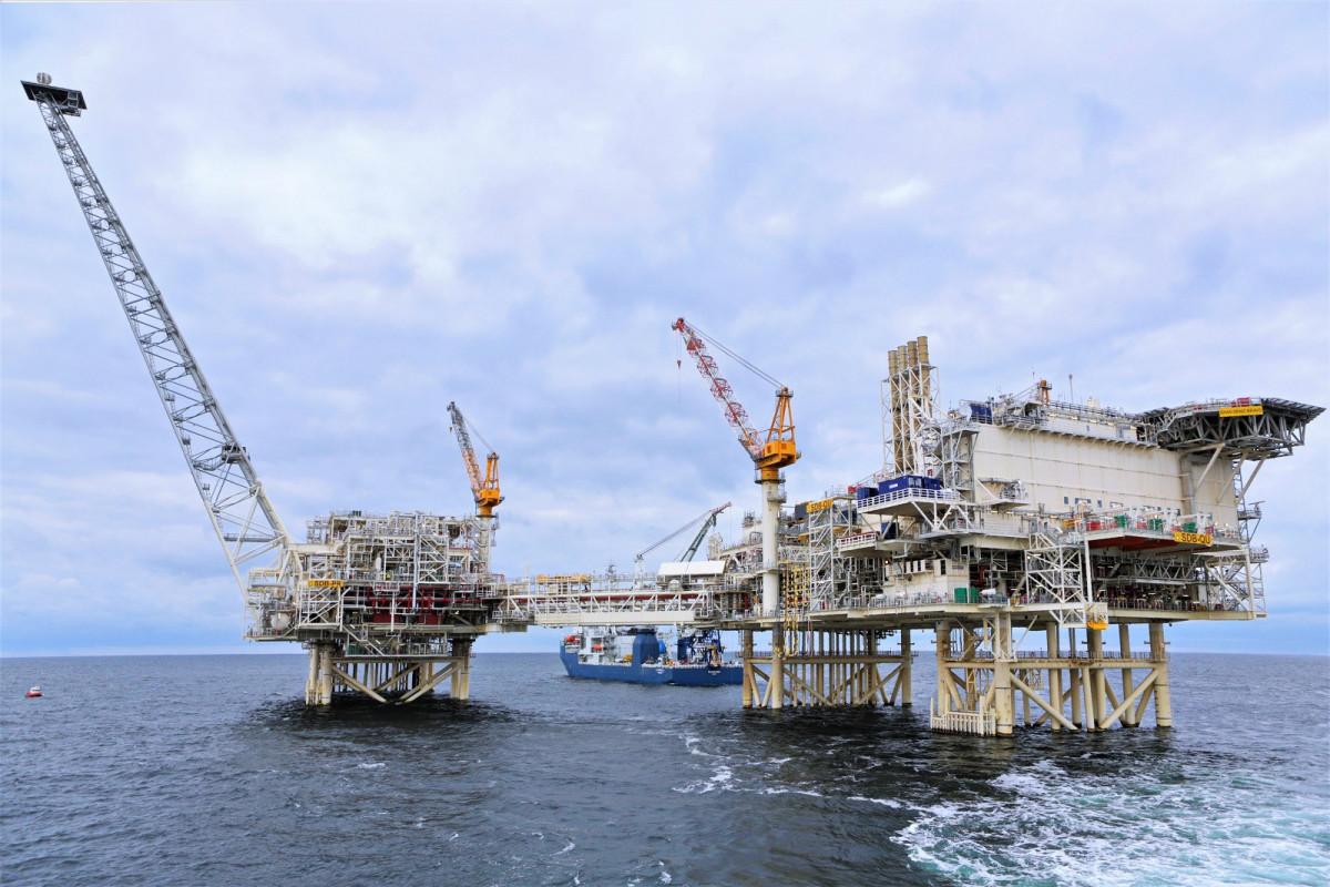 В этом году в нефтегазовый сектор Азербайджана инвестировано более 4 млрд. манатов
