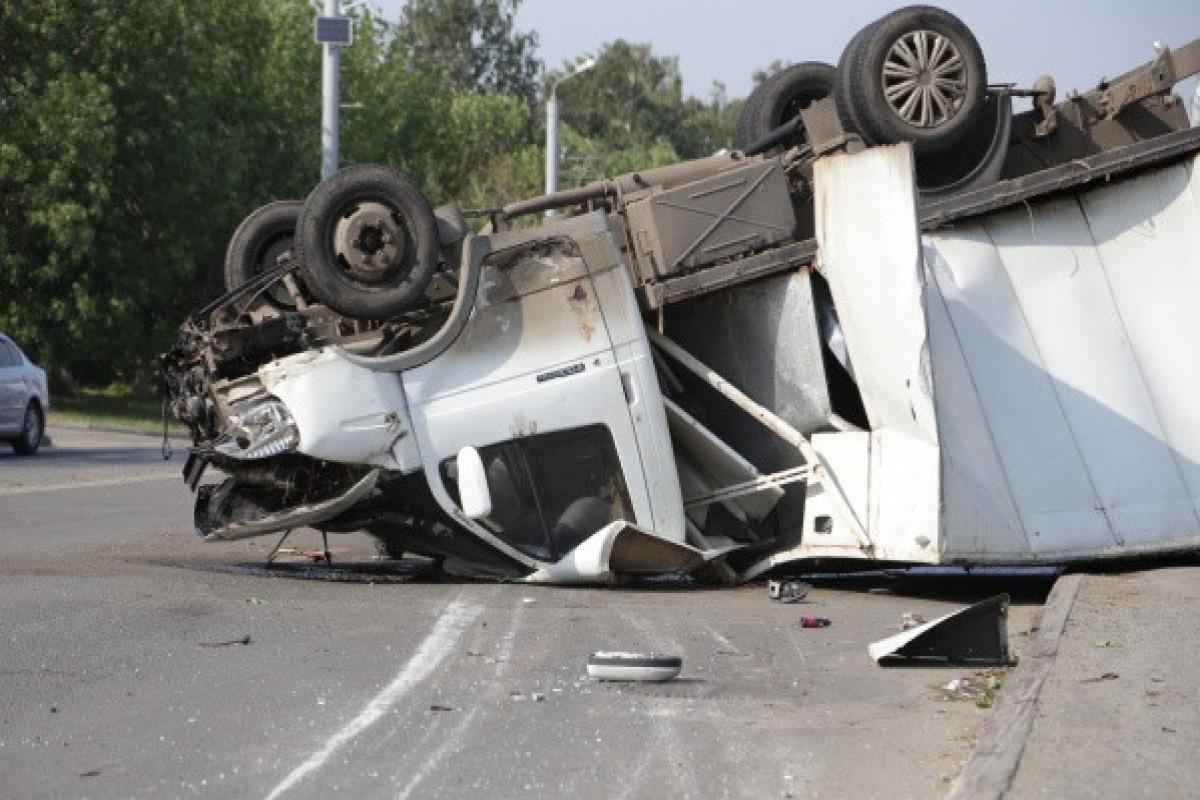 В Армении перевернулся микроавтобус, 5 человек погибли