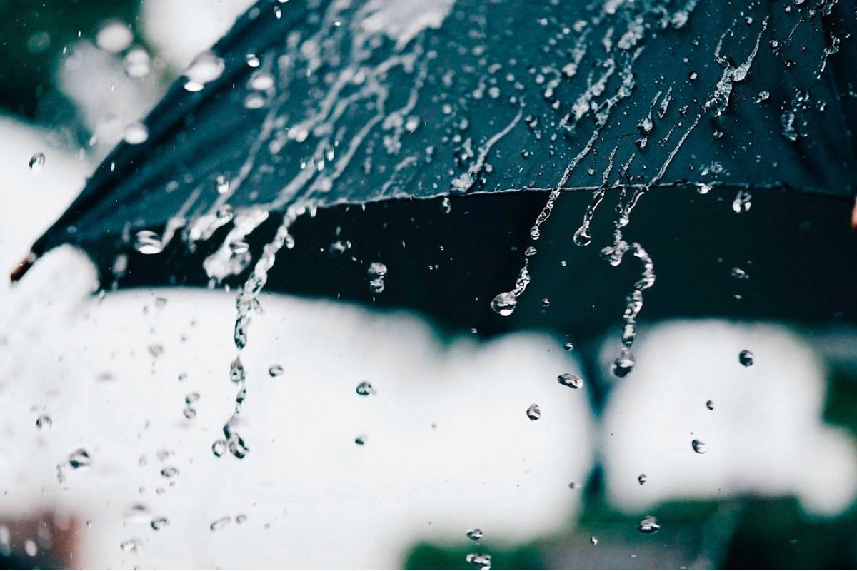 Завтра местами пройдут дожди, в горных районах возможен снегопад