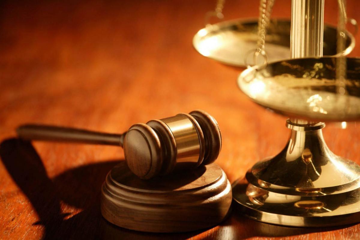 В Азербайджане зачитан приговор 75-летнему мужчине, который расчленил свою невестку и бросил ее тело в мусорный бак