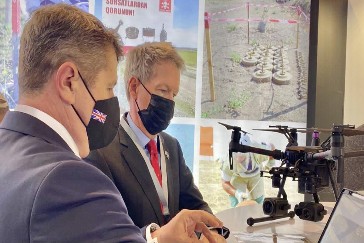 Посол Великобритании в Азербайджане Джеймс Шарп посетил выставку «Rebuild Karabakh».