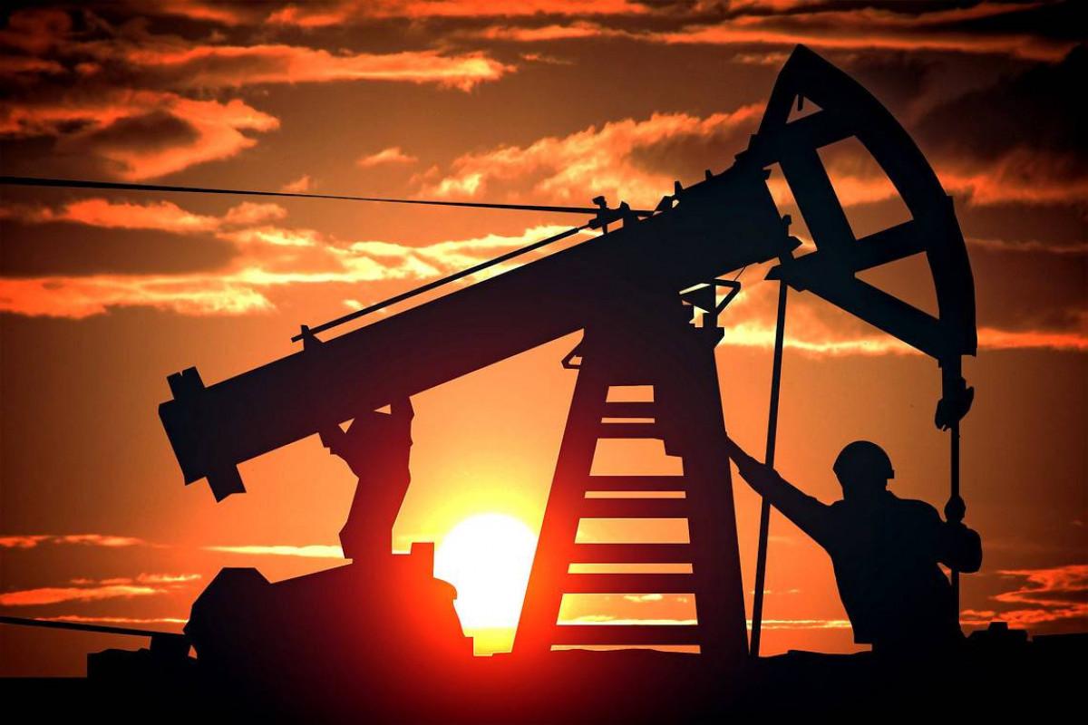 Всемирный банк повысил прогноз по средней цене на нефть