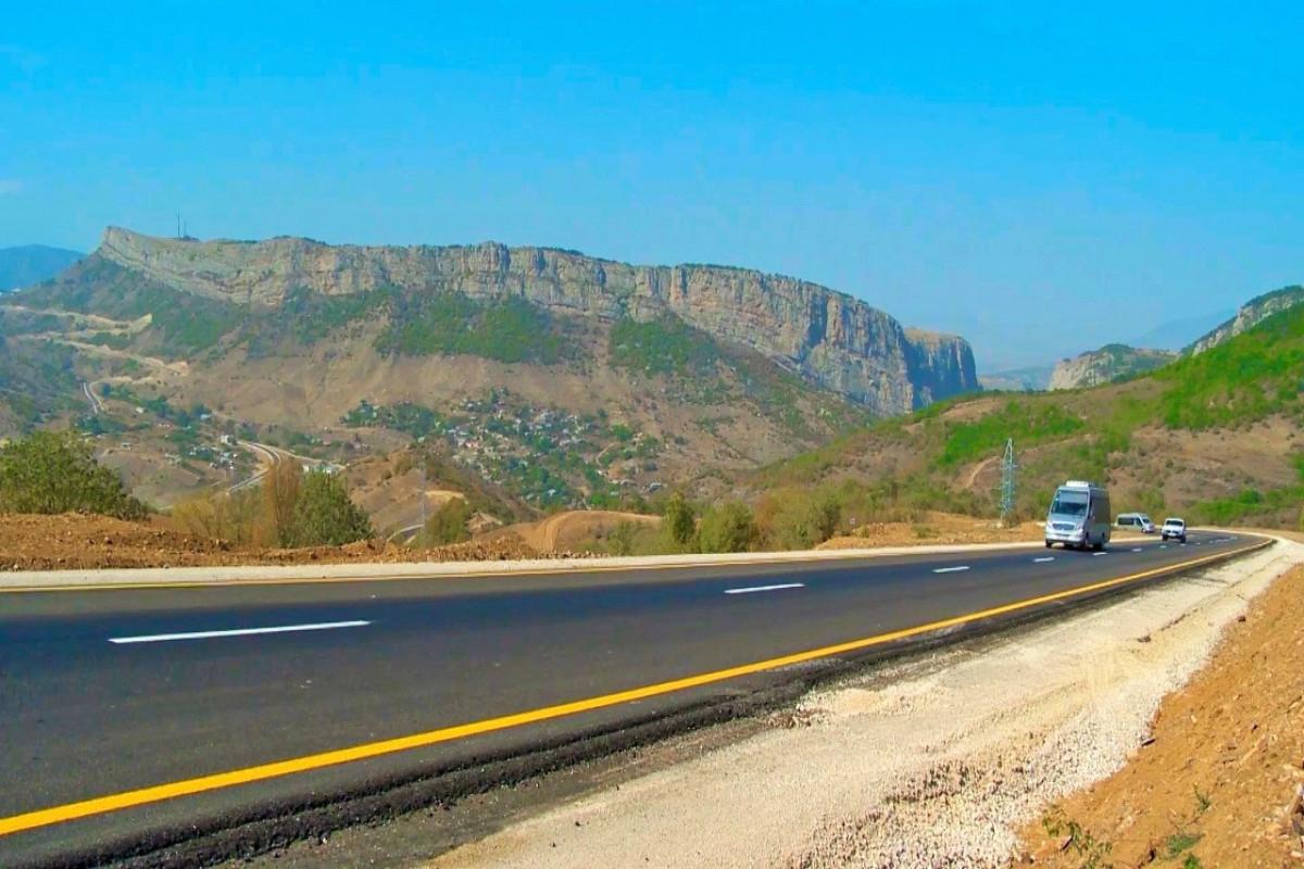"""Обнародовано текущее состояние дорожных проектов, реализуемых в Карабахе и Восточном Зангезуре-<span class=""""red_color"""">ВИДЕО"""
