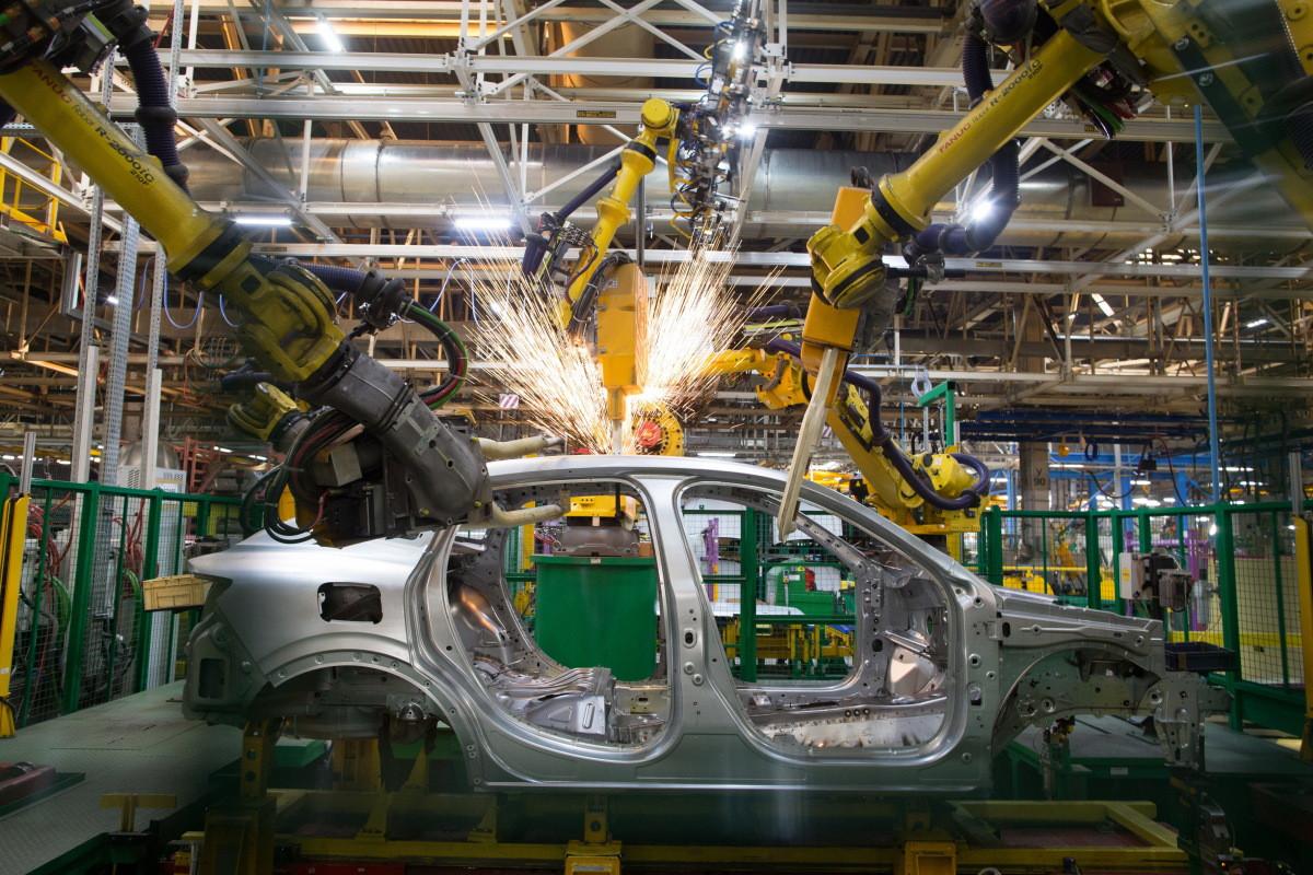 """""""Renault"""" çip çatışmazlığına görə istehsalın kəskin azalacağını gözləyir"""