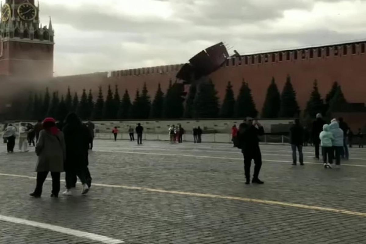 Kremlin wall battlements damaged by strong wind