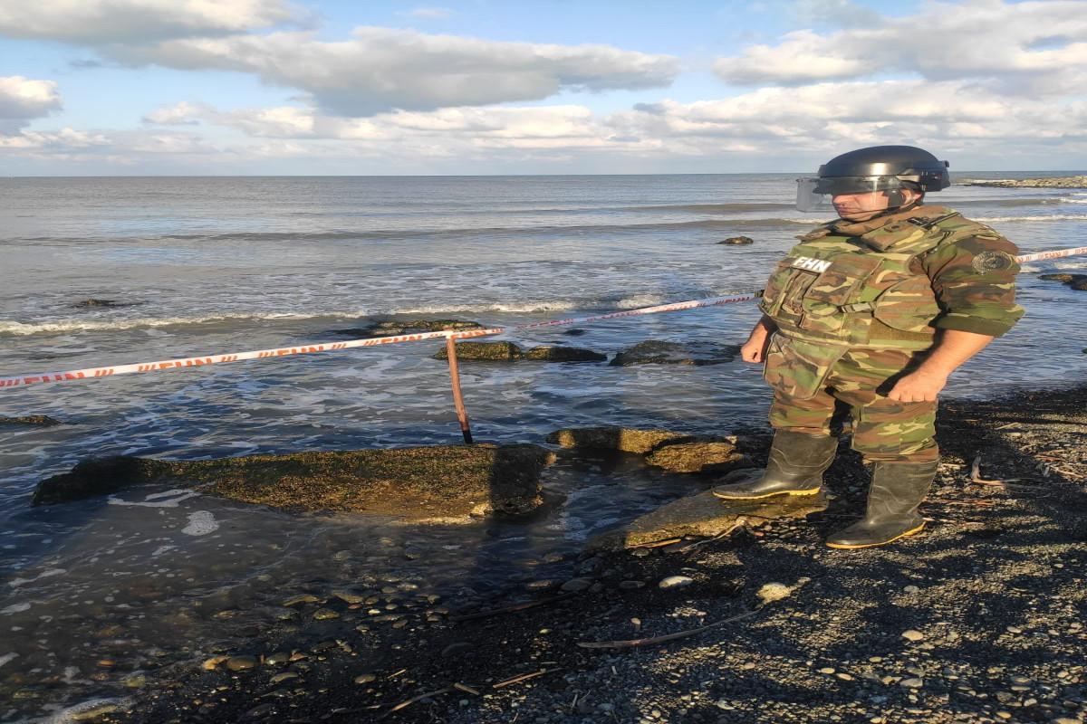 В Лянкяране в Каспийском море возле берега обнаружена противотанковая мина