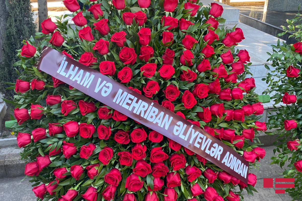 Президент Азербайджана и первая леди Мехрибан Алиева прислали венок на похороны Джанали Акберова