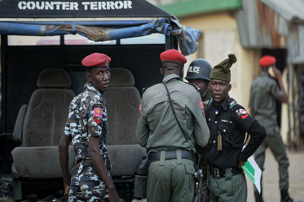 В Нигерии более 800 заключенных бежали из тюрьмы
