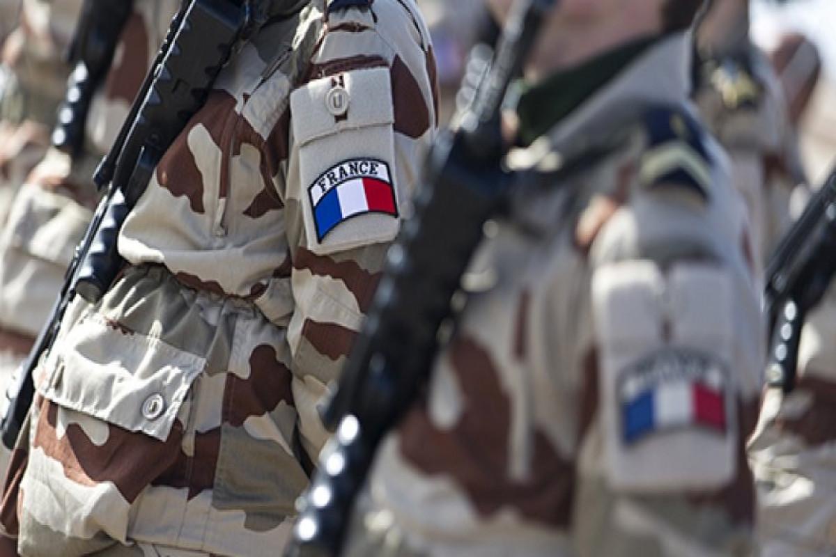 Во Франции задержали шестерых военных по подозрению в сутенерстве