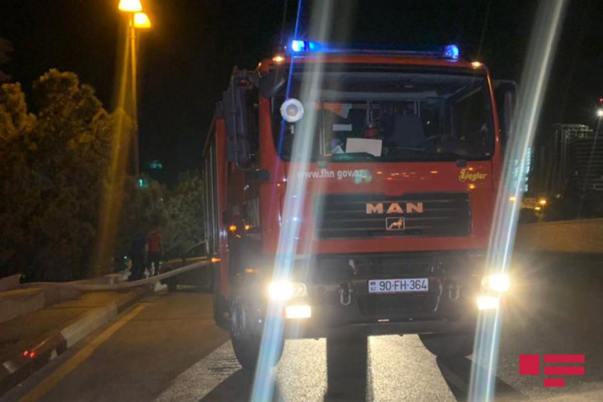 В Баку произошел пожар в 5-комнатном доме