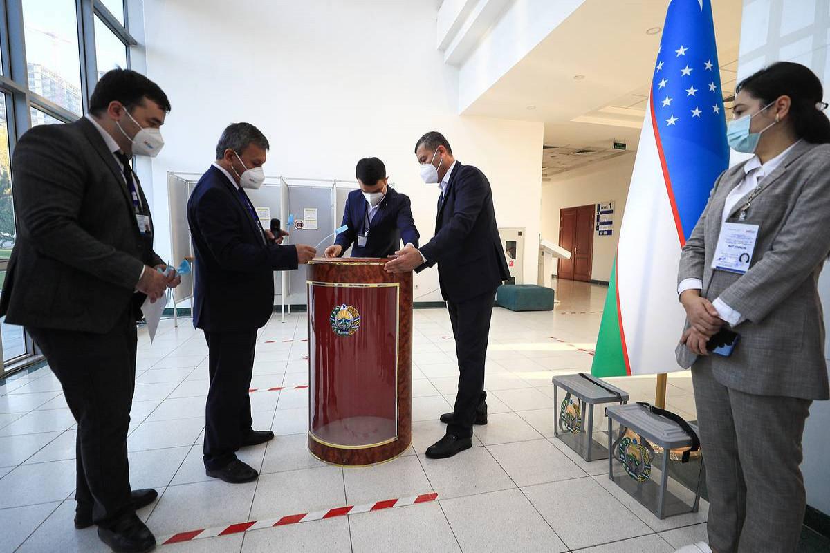 ЦИК: Явка на выборах в Узбекистане превысила 70%