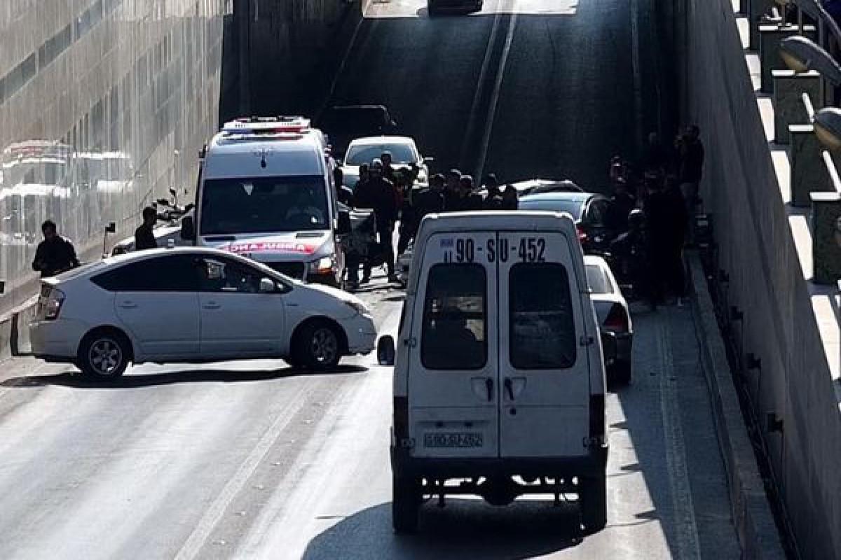 В Баку произшла авария, на дорогах возникла плотность