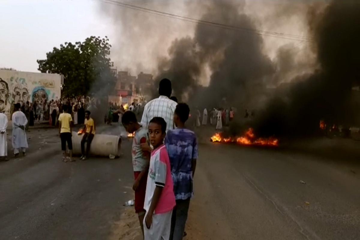 Sudanda hərbi çevriliş olub, Baş nazir həbs edilib
