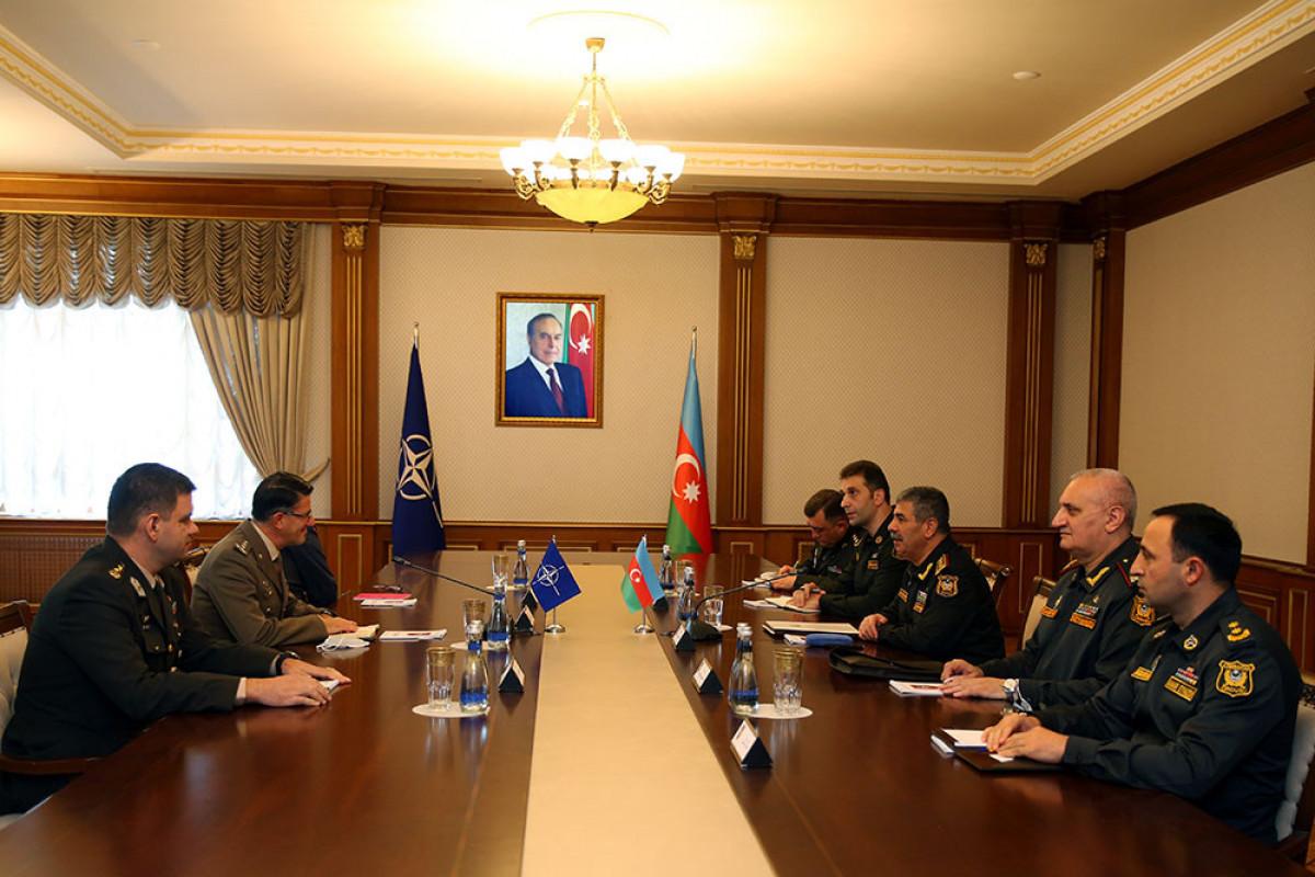 Закир Гасанов встретился начальником Управления НАТО генерал-майором Франческо Дьелла