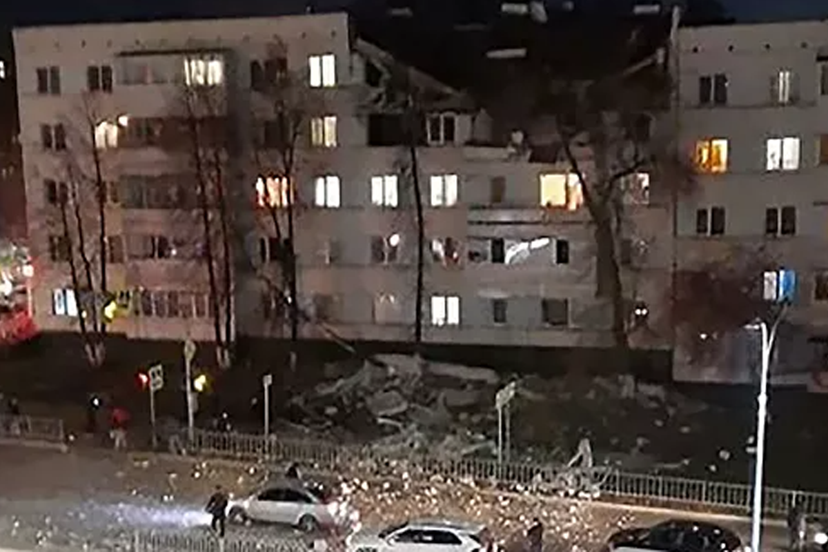 4 injured, 32 evacuated after gas explosion in residential building in Naberezhnye Chelny