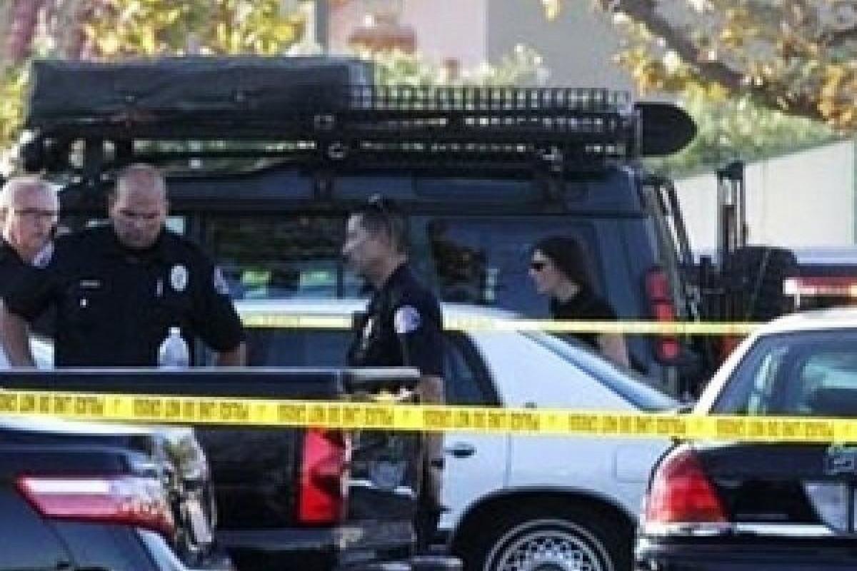"""ABŞ-da ticarət mərkəzində silahlı insident baş verib, ölən və yaralanan var - <span class=""""red_color"""">YENİLƏNİB"""