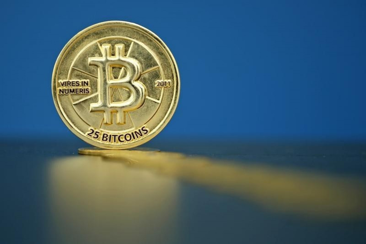 Bitcoin Climbs, but Bumpy Ride Ahead as Leveraged Bets Remain Elevated