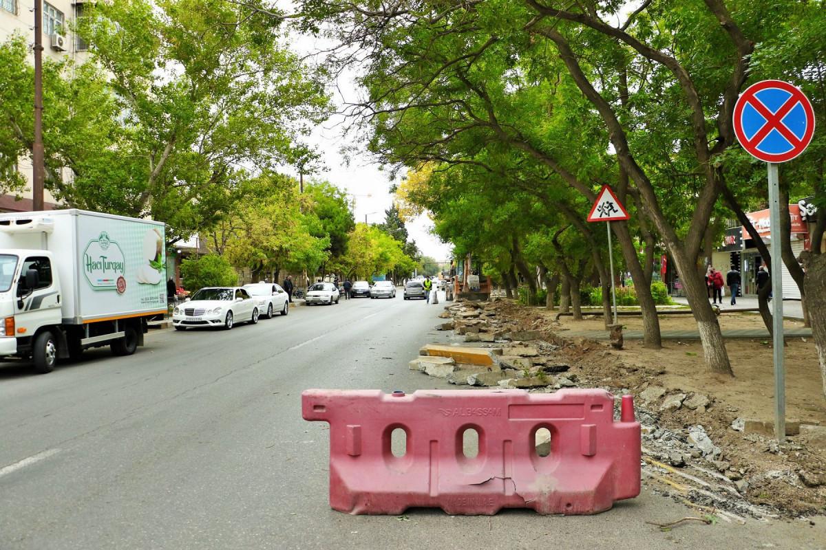 В Баку в связи с угрозой обрушения здания ограничено движение на дороге