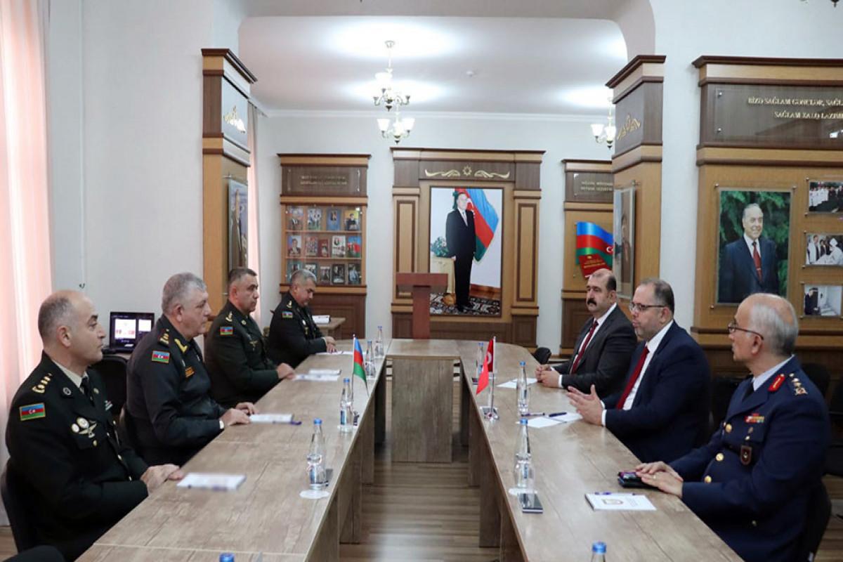В Военной академии ВС состоялась встреча с руководством Национального университета обороны Турции
