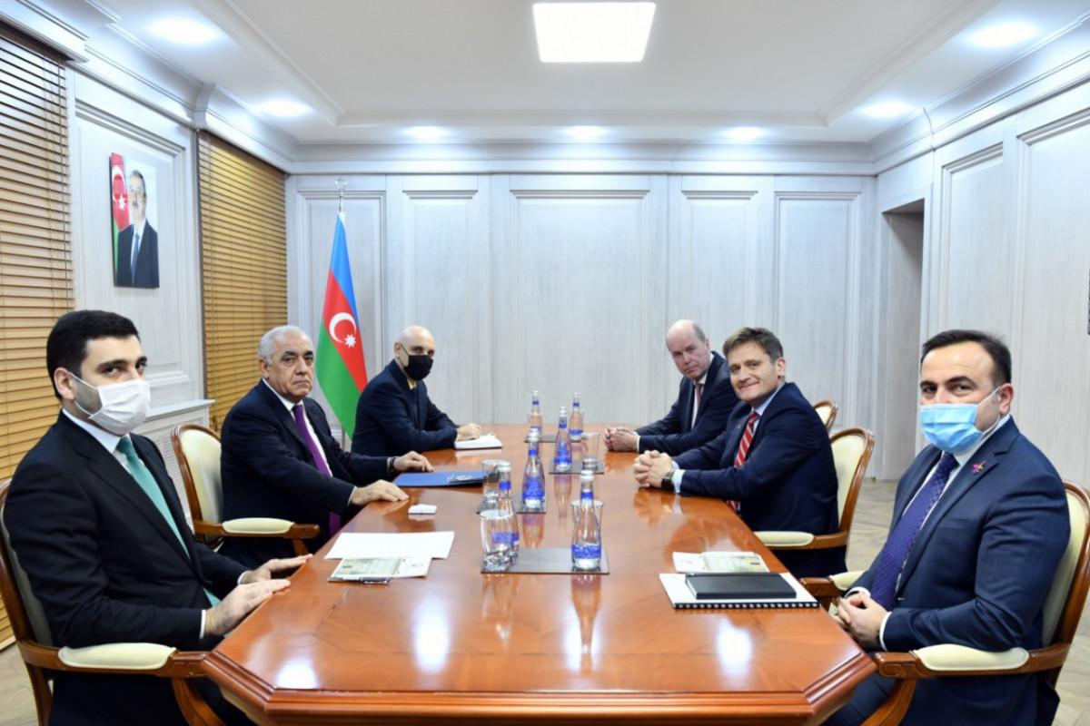 Премьер-министр Али Асадов встретился с делегацией БП