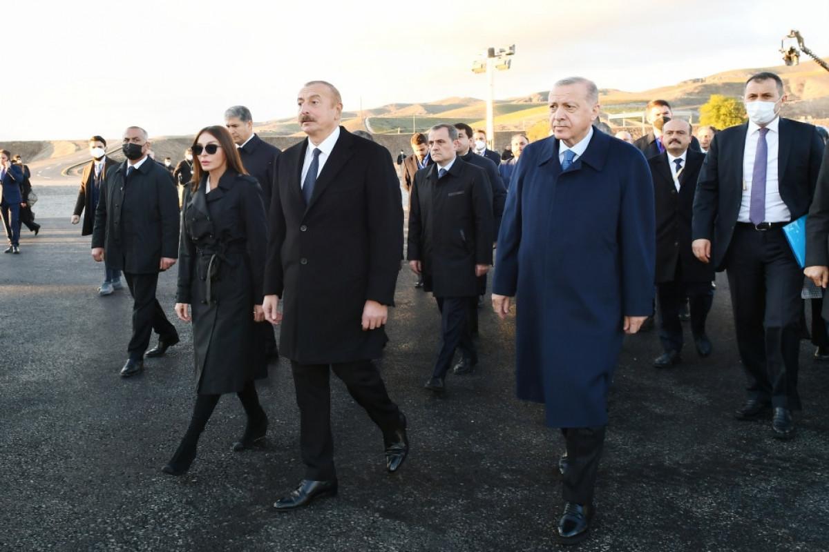 Президенты Азербайджана и Турции ознакомились с работой, проделанной в рамках проекта «Умное село» в Зангилане
