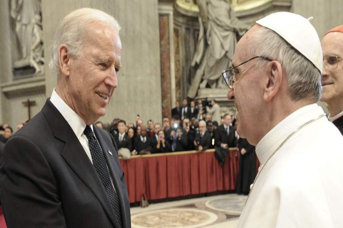 ABŞ Prezidenti Co Bayden Roma Papası Fransisk