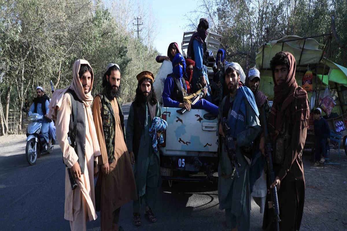 """""""Taliban"""" hakimiyyəti ələ keçirdikdən sonra Əfqanıstanda jurnalistlərə qarşı 30 hücum qeydə alınıb"""
