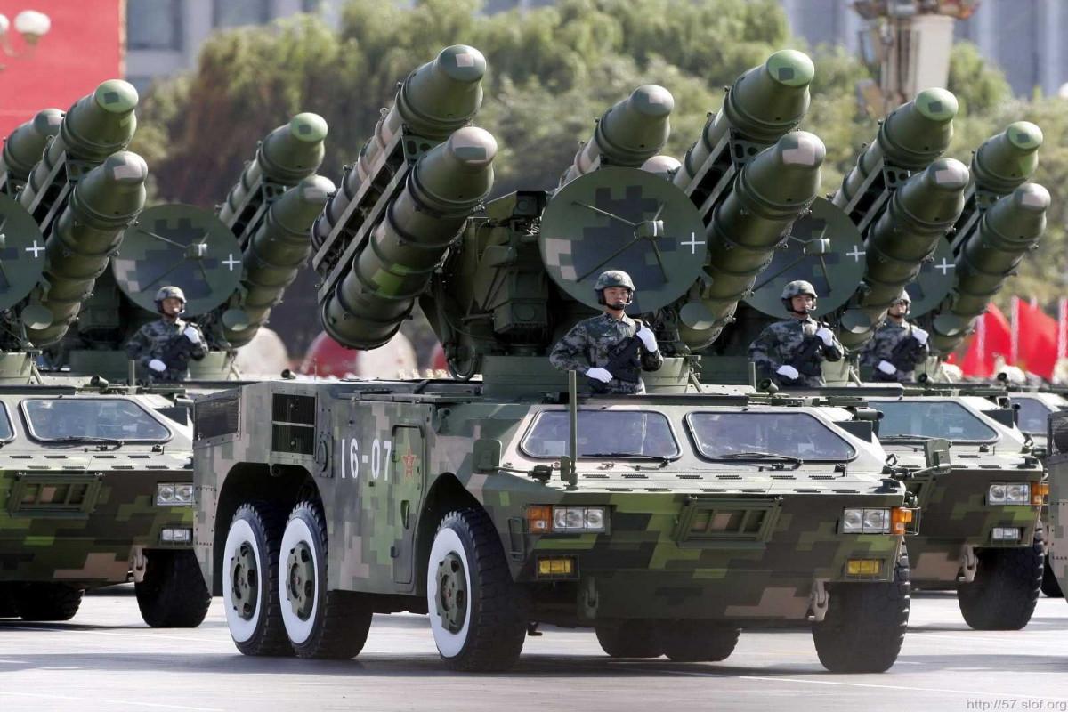 Псаки: США обеспокоены военной модернизацией Китая