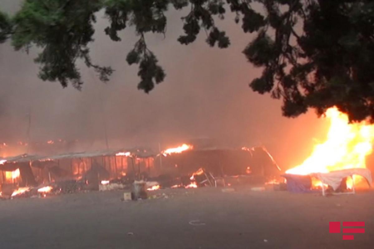 В Шамкире на рынке произошел пожар