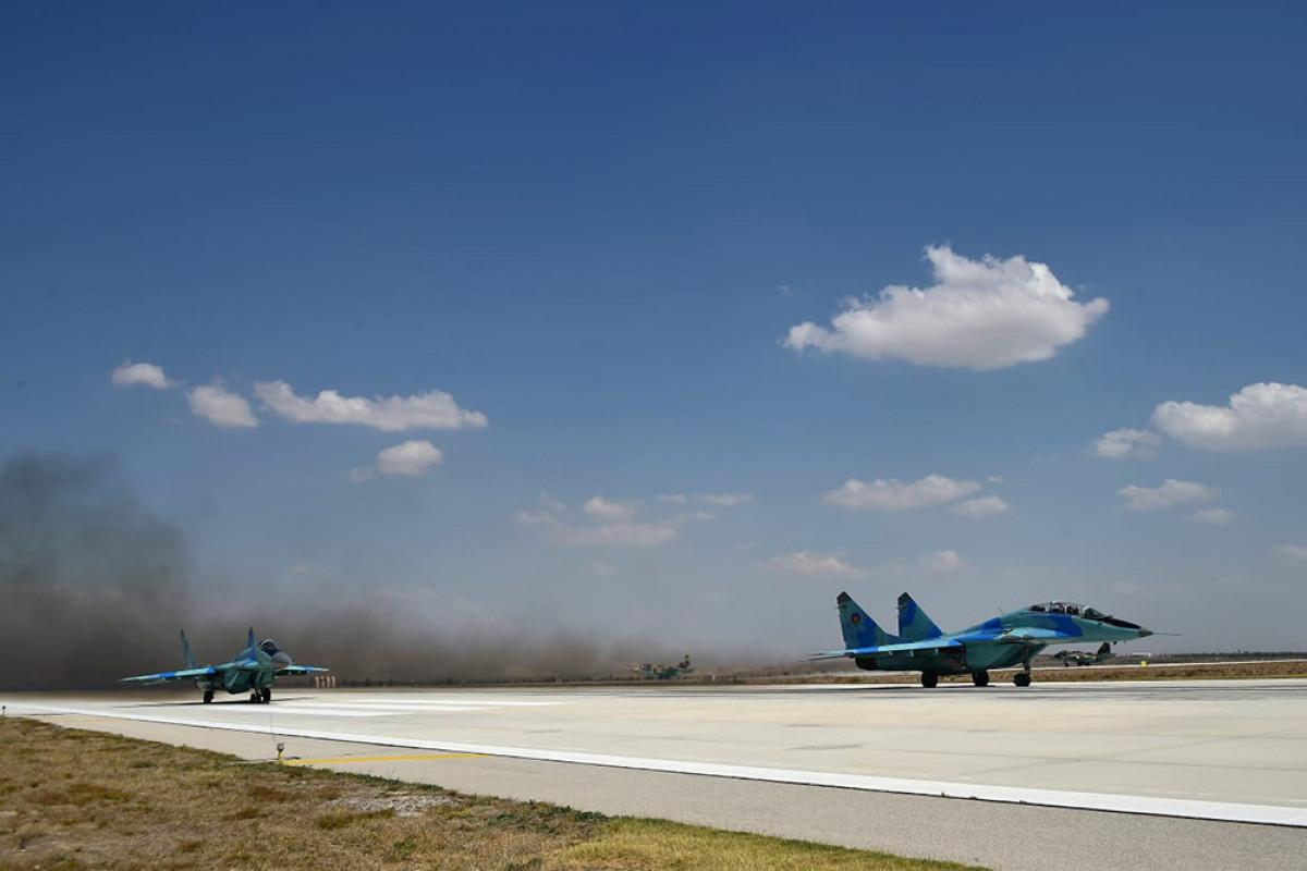 Азербайджанские военные самолеты отправились на учения в Турцию