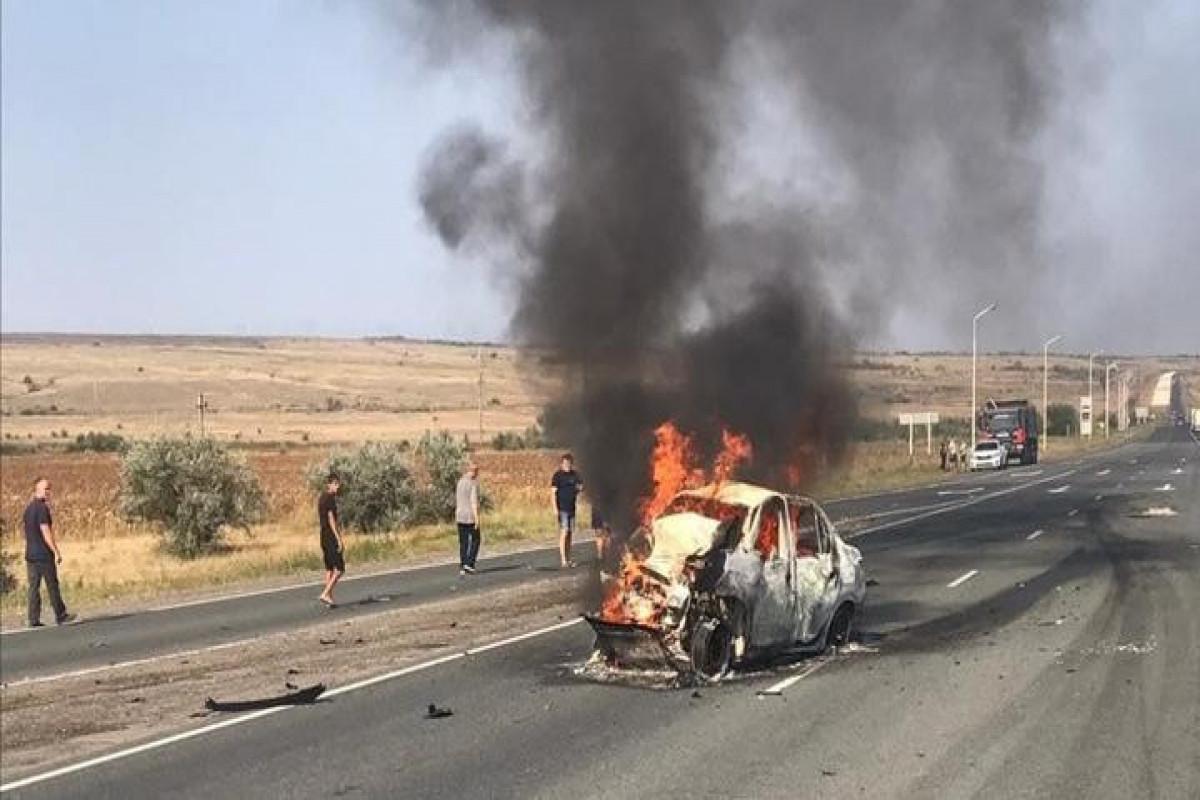 В России два человека сгорели в машине после ДТП с фурой