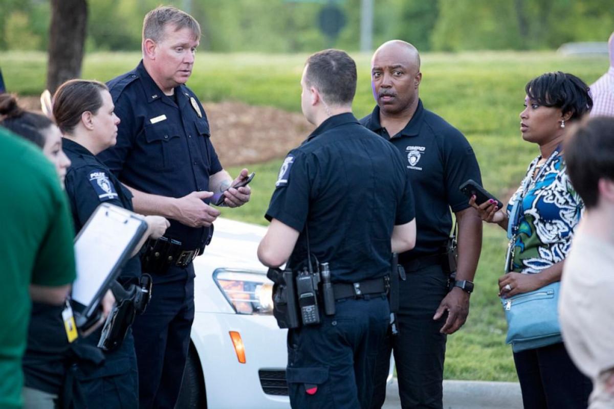 1 student injured after high school shooting in U.S. N. Carolina
