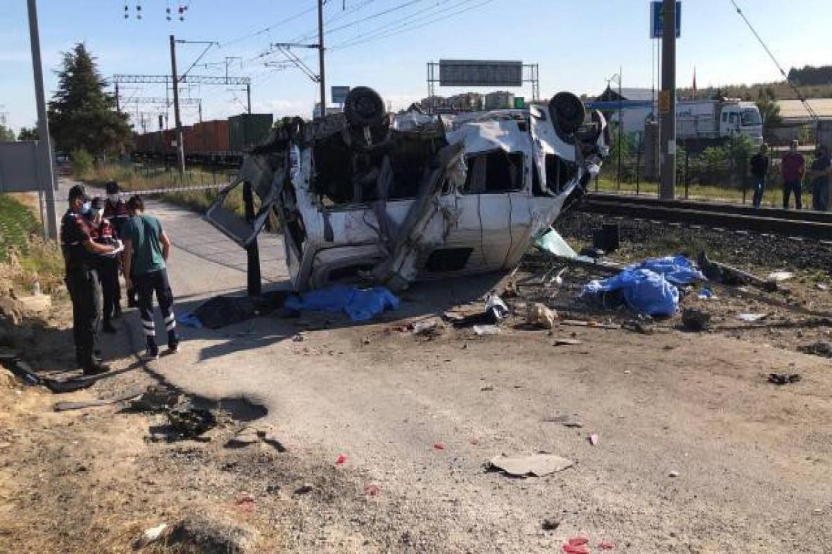 Death toll from freight train crash in Turkey reach 6-UPDATED