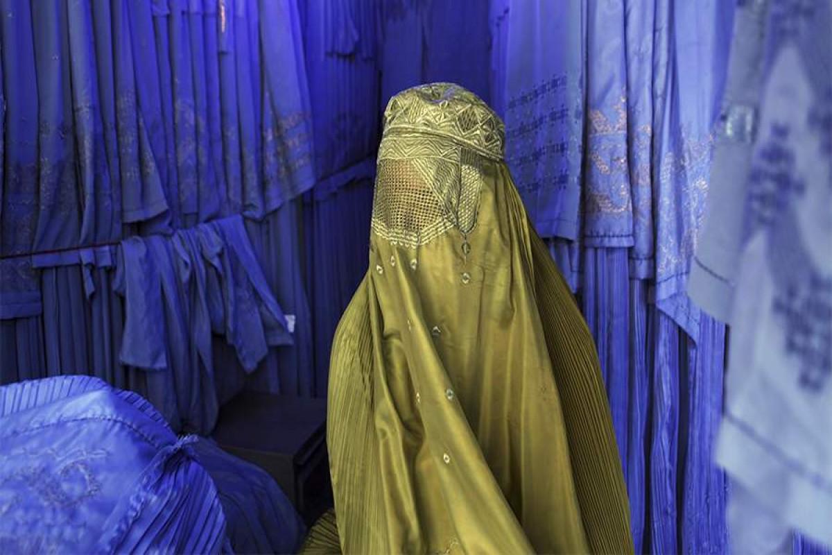 """""""Taliban"""" özəl universitetlərdə təhsil alan qızların niqab taxması ilə bağlı fərman verib"""