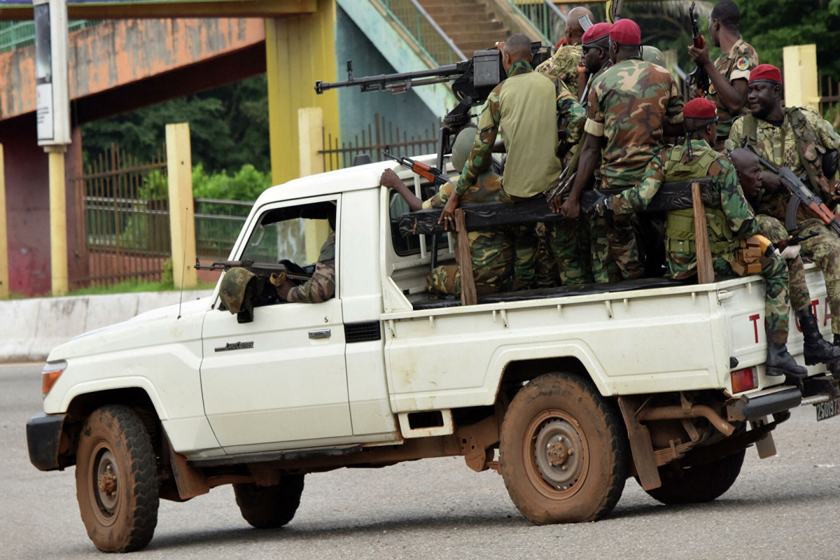 Qvineya qiyamçılarının lideri prezidentin onların nəzarətində olduğunu bildirib