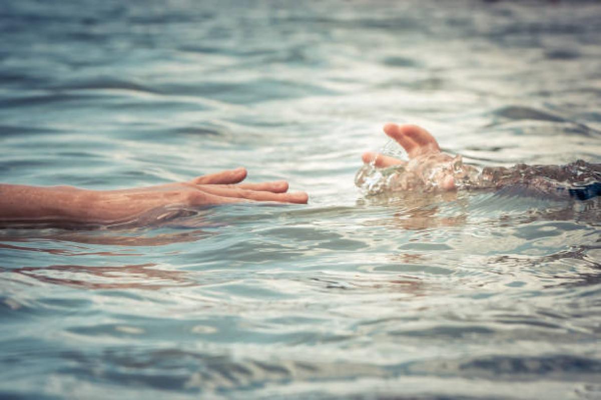 Ağdaşda 13 və 15 yaşında iki qız su kanalında batıb