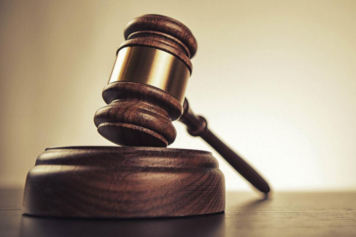 По факту присвоения на сумму 44 тыс. манатов в средней школе в Евлахе возбуждено уголовное дело
