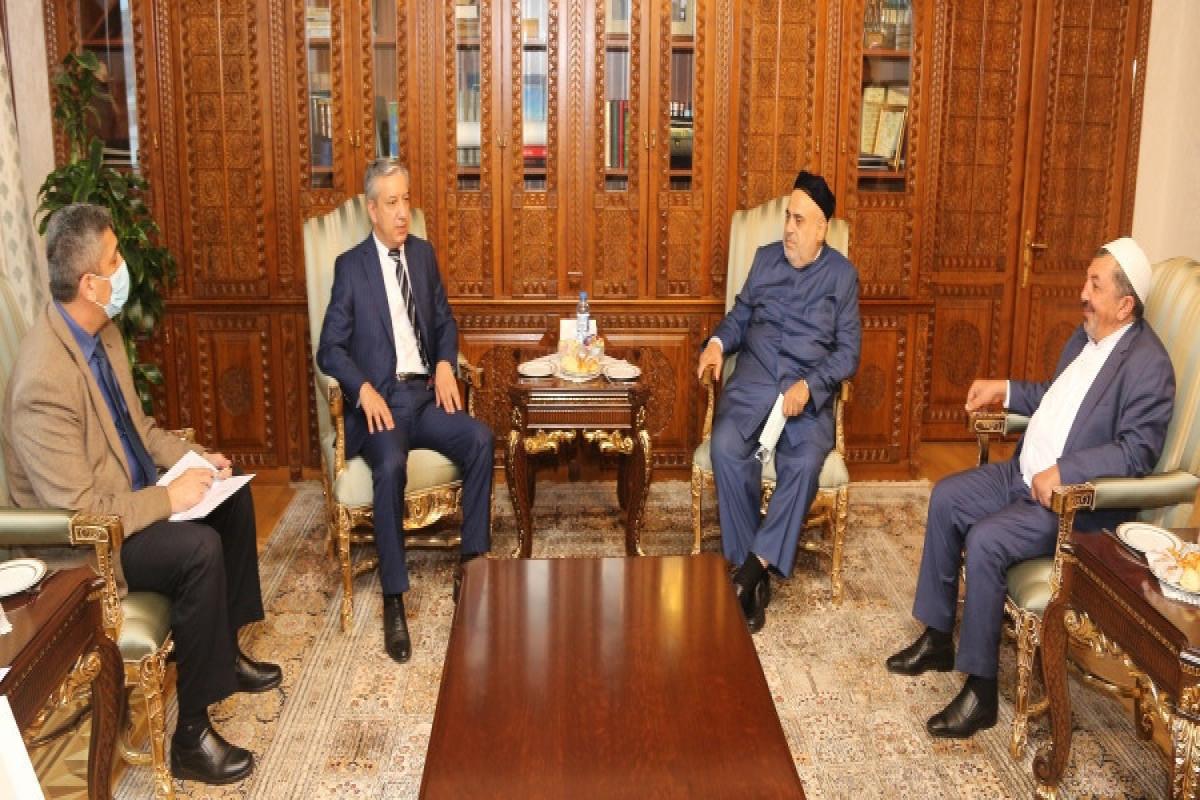 Президент Узбекистана наградил Аллахшукюра Пашазаде