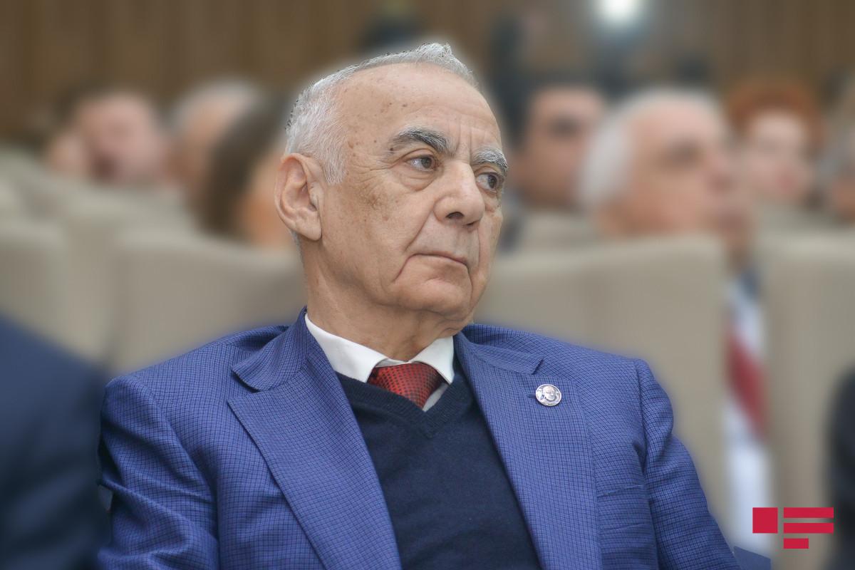 Hacıbala Abutalıbov, Şəmsəddin Xanbabayev və Tağı Əhmədov YAP Veteranlar Şurasına üzv qəbul olunub