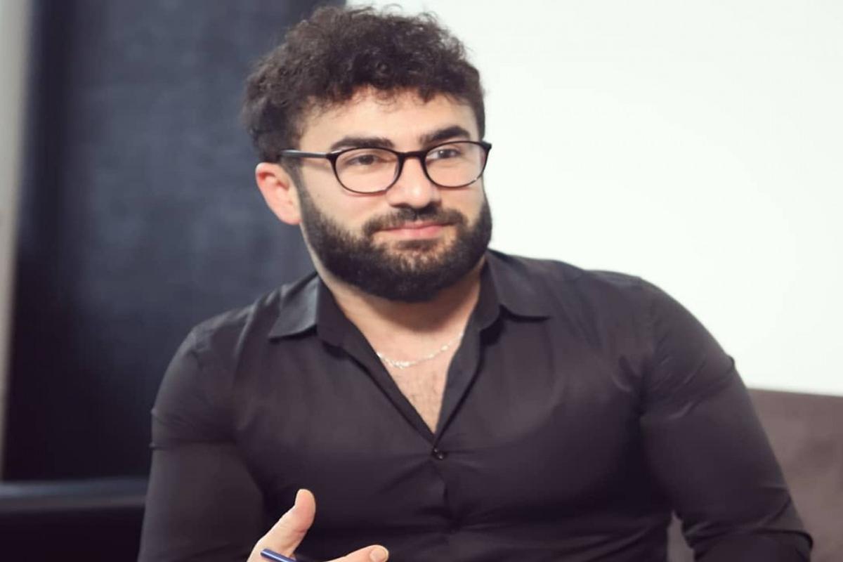 Mahir Xəttab Ramiz Göyüşovdan 2 min manat alarkən tutulub - RƏSMİ