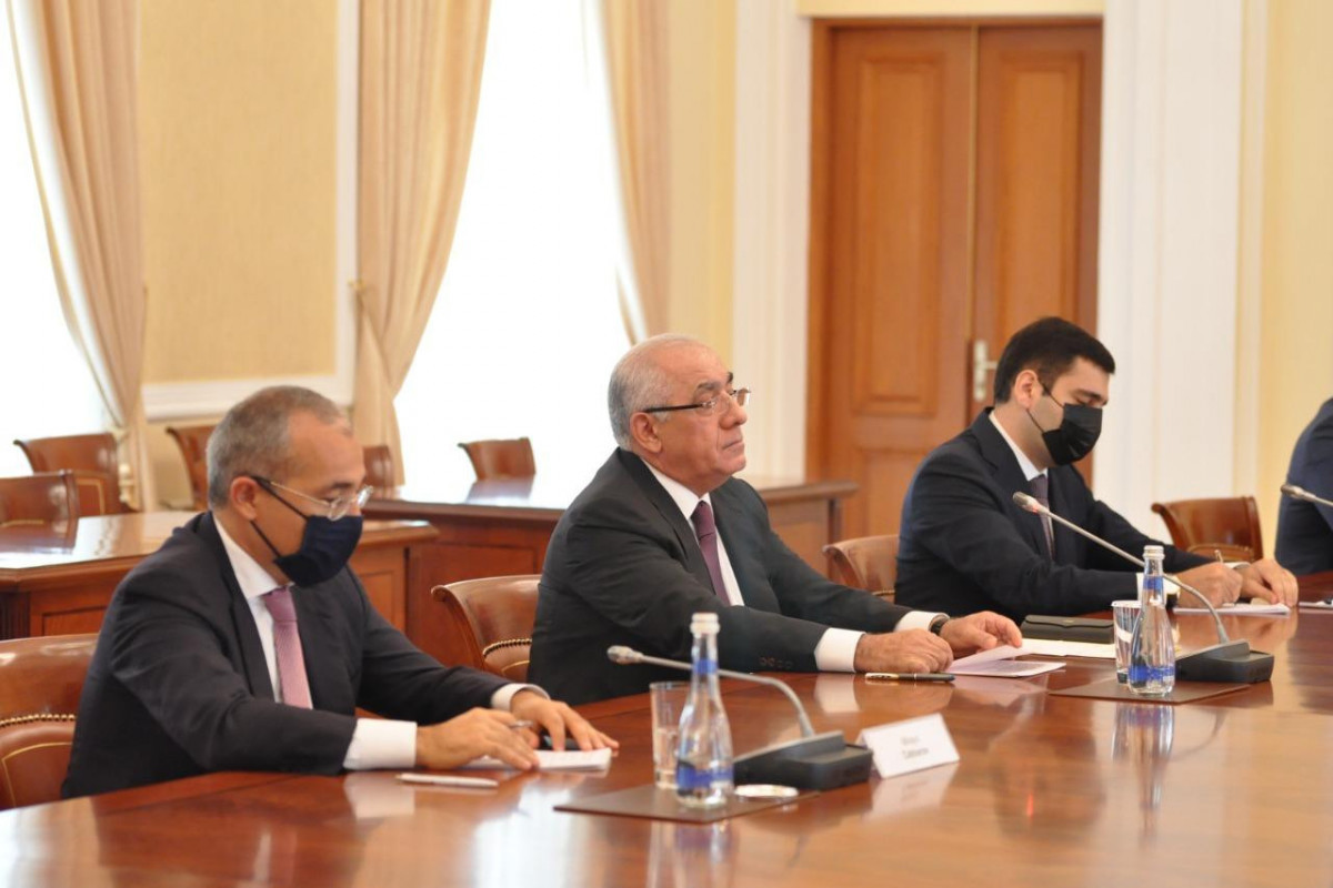 Azerbaijani PM meets with Turkic Council delegation