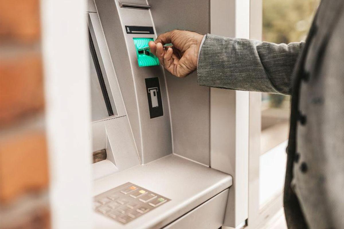 Mərkəzi Bank bankomatlarda tədavülə yararsız pul nişanlarının olmasına münasibət bildirib