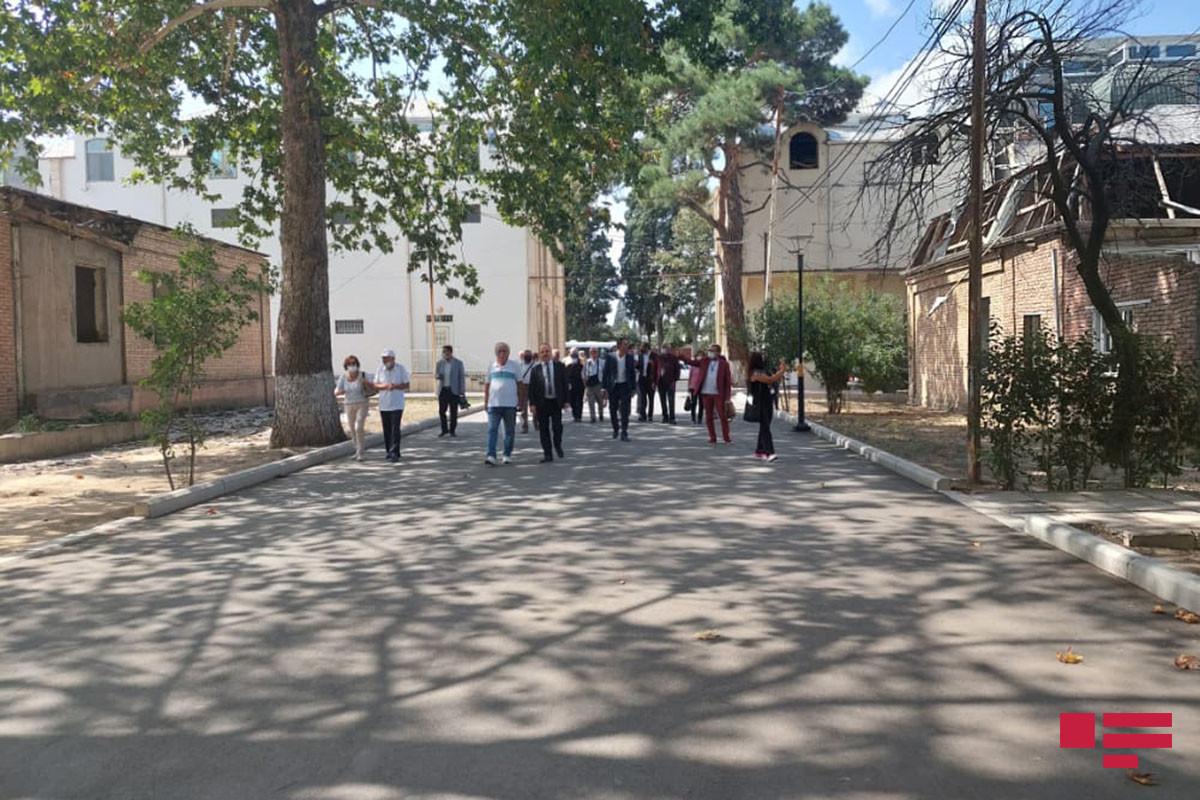 Известные турецкие публицисты совершили поездку в Гянджу