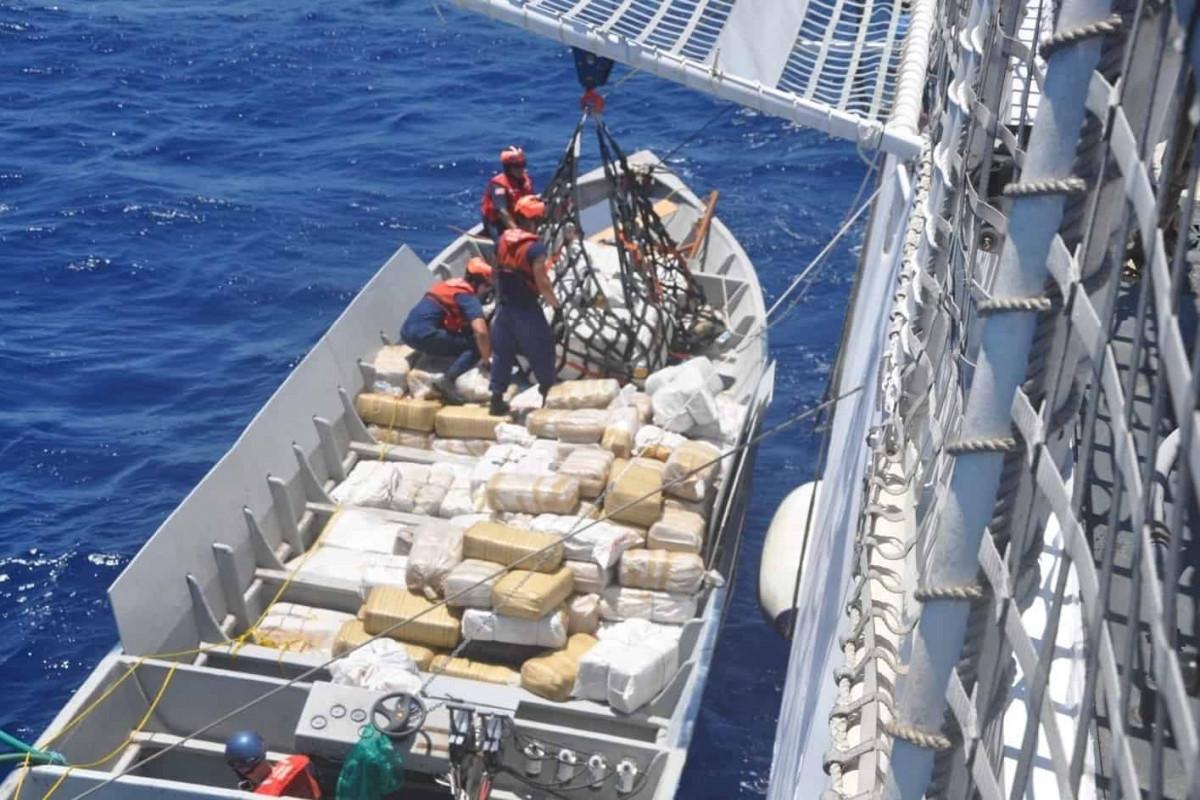 Kolumbiya hərbçiləri 2,4 tonluq kokain qaçaqmalçılığının qarşısını alıb