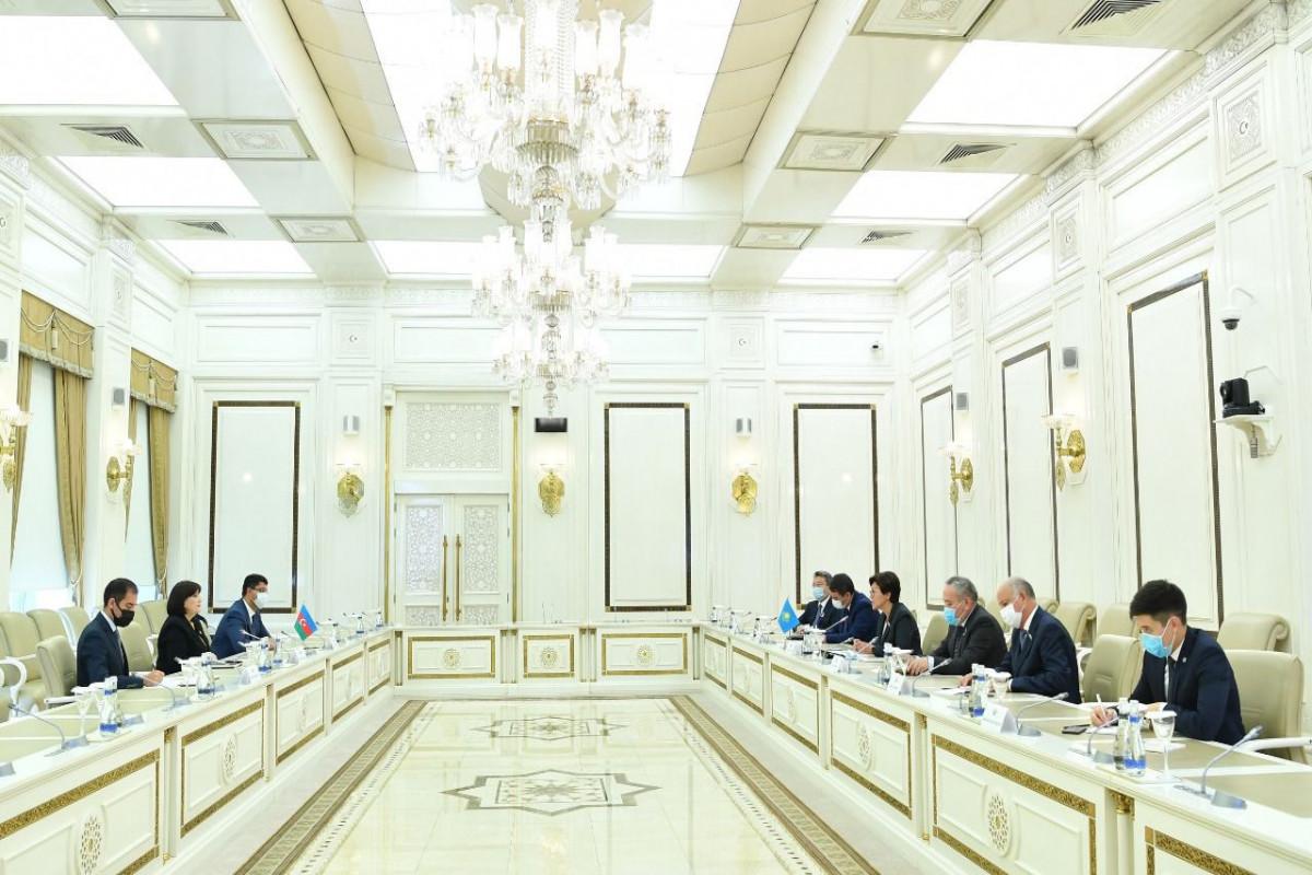 Sahibə Qafarova Qazaxıstan Parlamentinin nümayəndə heyəti ilə görüşüb