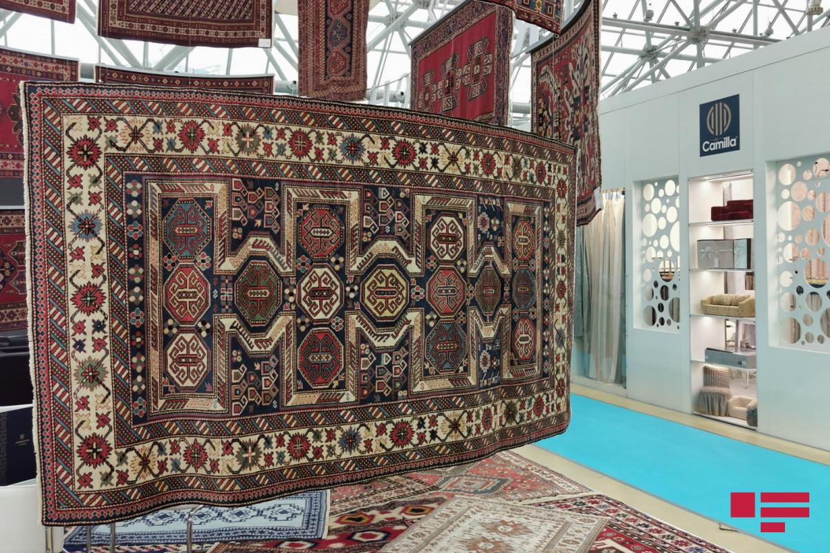 Азербайджанские ковры на выставке в Москве