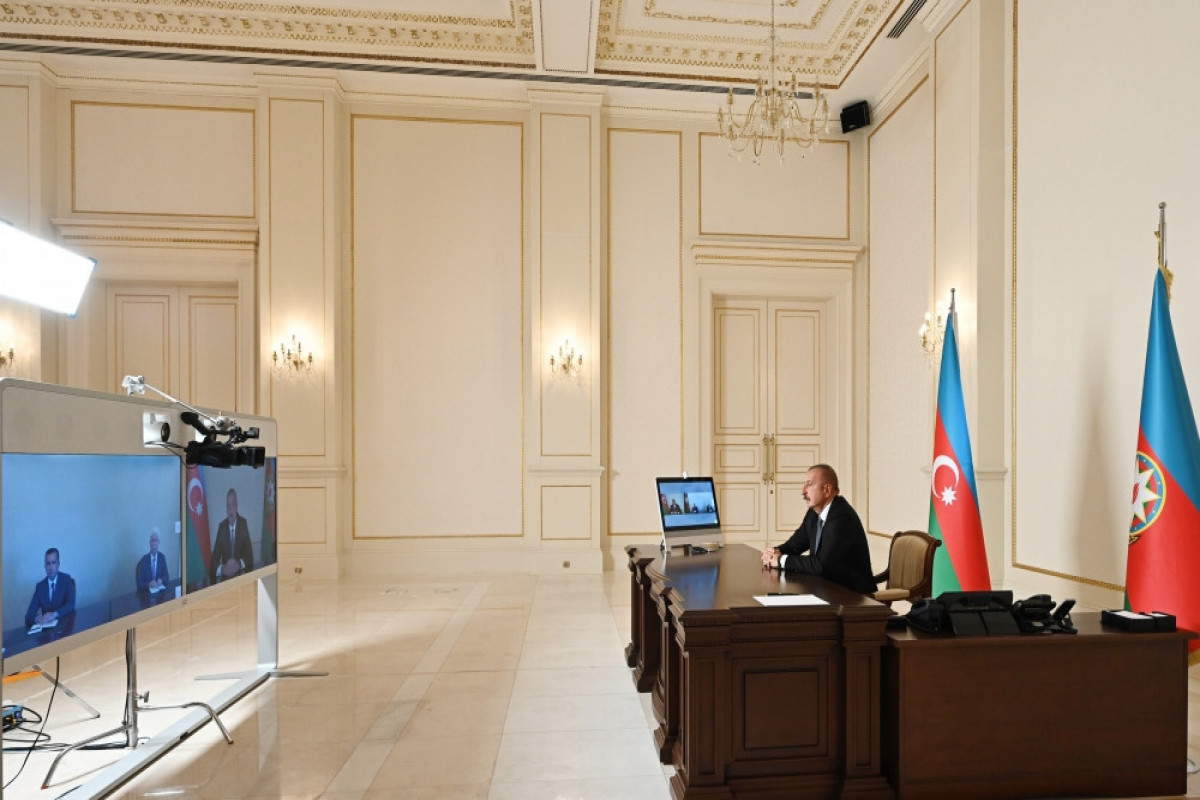 """Azərbaycan Prezidenti: """"Mən hesab edirəm, artıq hər kəs başa düşüb ki, dövlət məmuru nümunə olmalıdır"""" - VİDEO"""